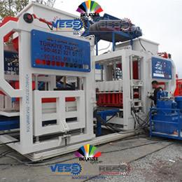 machin-semi-automatique-parpaing